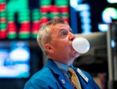 Worried about a market bubble? Here are 4 tips to protect your portfolio now and in the future