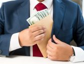 6 signs your financial advisor could be ripping you off